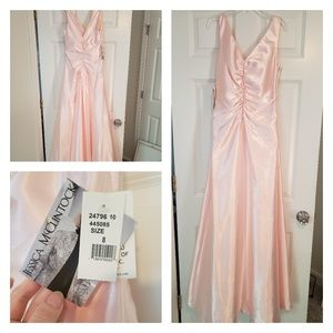 NEW WITH TAGS Jessica McClintock gown.